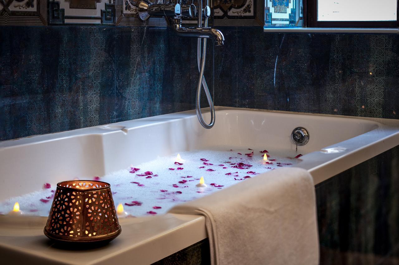 Maharaja Suite Bathtub