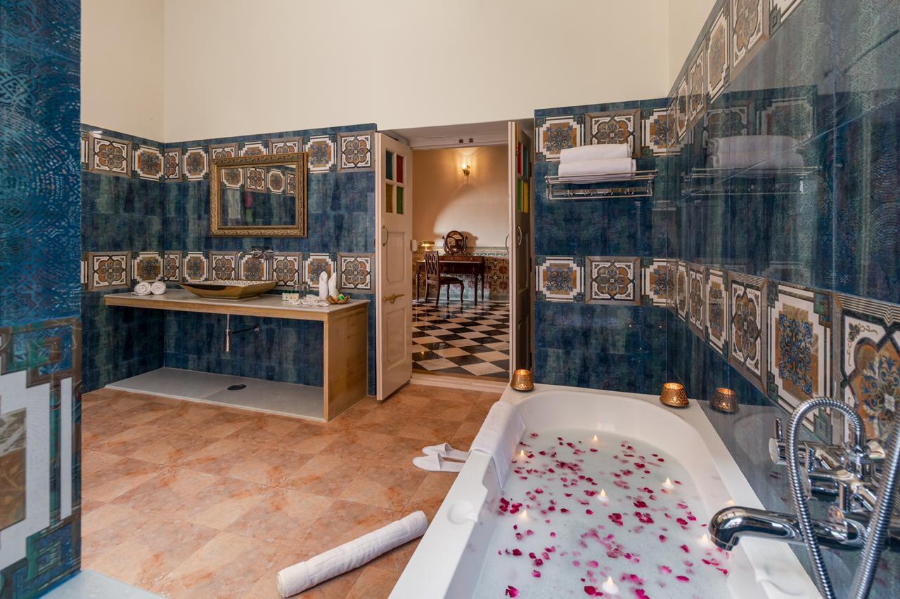 Maharaja Suite Washroom