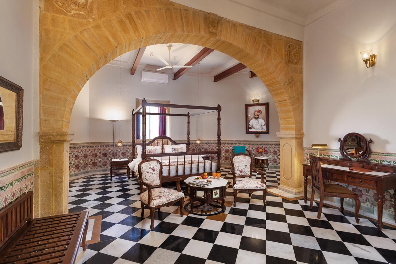 Maharaja Suite West Wing